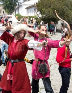 14149155-kamyanets-podilsky-june-2-shooting-archers-during-forpost-the-outpost-festival-of-medieval-culture-o
